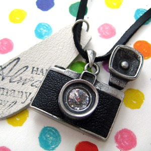 Black Leather Camera Photographer Lens with Flash Pendant Necklace