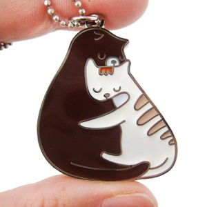 Hugging Kitty Cats Shaped Animal Enamel Pendant Necklace