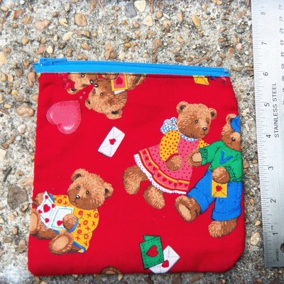 Teddy love pouch