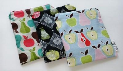 "Set of 3 ""Apples & Pears"" reusable sandwich/snackbags"