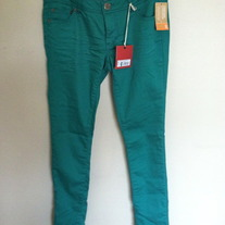 New with Tags Mossimo Colored Skinny Jeans size 7