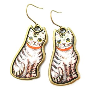 White Kitty Cat With Striped Fur Illustrated Resin Animal Dangle Earrings