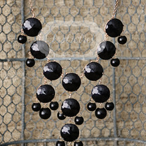 large knotiebubble necklace - black w/gold