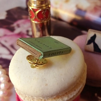 Lolita mini book brooch - Thumbnail 2