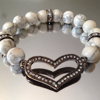 Heart Stretch Bracelet w/ Gunmetal Heart and White Agate Beads