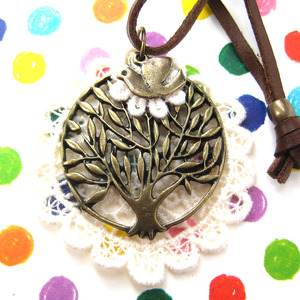 Floral Tree Round Lace Pendant Necklace with Adjustable Strap
