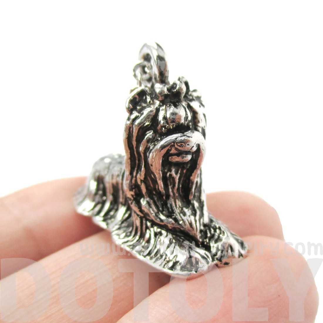 dog-shaped-animal-pendant-necklace-in-shiny-silver-jewelry-for-dog