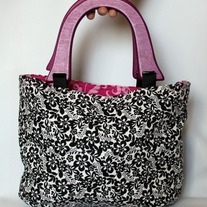 Wood Handled Bag {Black & White Floral}