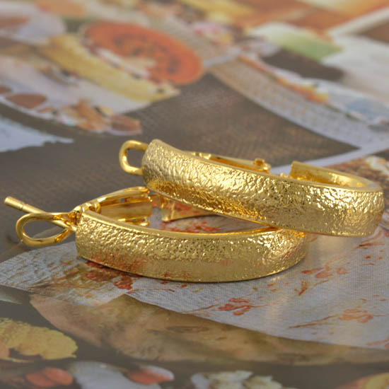Classic Gold Hoop Earrings Gold Jewelry Gold Jewelry Online Shop