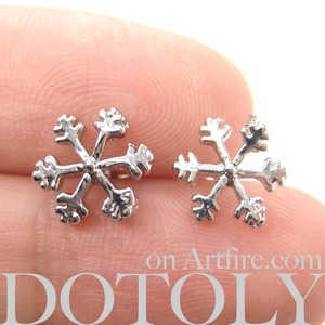 Small Snowflake Shaped Star Winter Stud Earrings in Silver