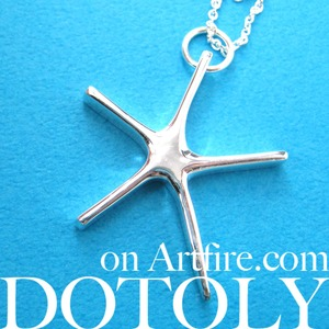 Simple Starfish Star Shaped Necklace in Silver