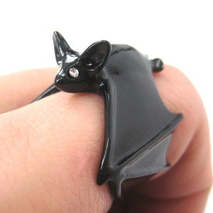 Adjustable 3D Bat Wings Wrap Around Animal Ring in Black