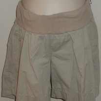 Khaki Shorts-Liz Lange Maternity Size Medium  031422