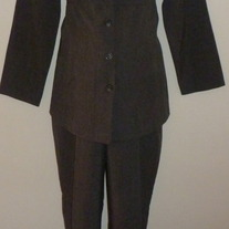 Gray Pant Suit-Motherhood Size Large