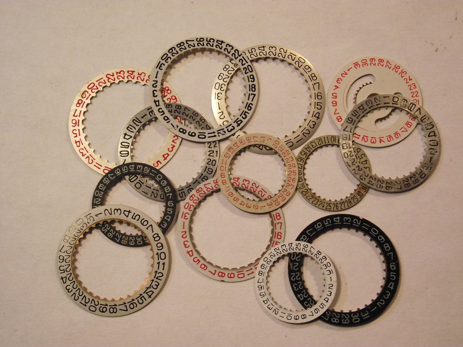 30 date dials rings ideal for making steampunk jewellery for Metal arts and crafts