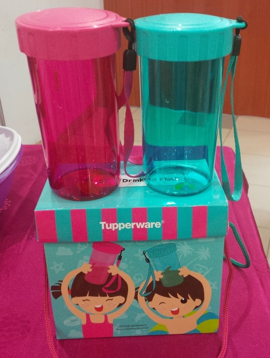 1 Set Small Drinking Flask Tupperware Tosca & Pink Drink ...
