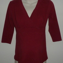 Maroon 3/4 Sleeve Length Top-Motherhood Maternity Size Small  SF0413