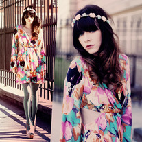 Bell-Sleeved Floral Mini Dress