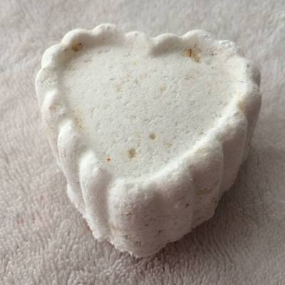 Goats milk & oatmeal fragrance free bath bomb