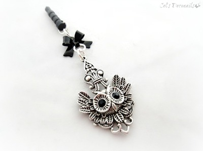 Owl phone plug charm, iPhone 5 dust plug charm, gothic mobile phone accessory