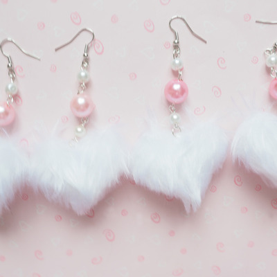 Fluffy heart earrings