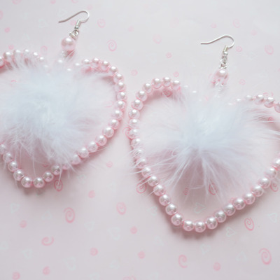 Pearl hearts earrings