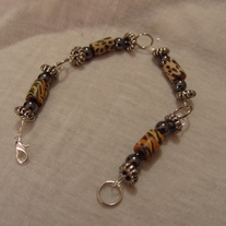 Tiger bead wire bracelet