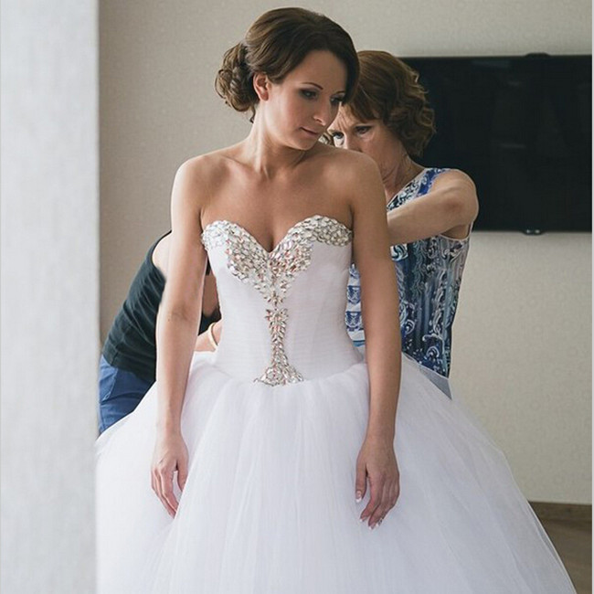 White Wedding Dresses Crystals Sweetheart Bodice Ball Gown Wedding ...