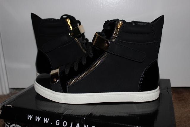 Shoes like giuseppe zanotti garden house lazzerini for Zanotti arredamenti