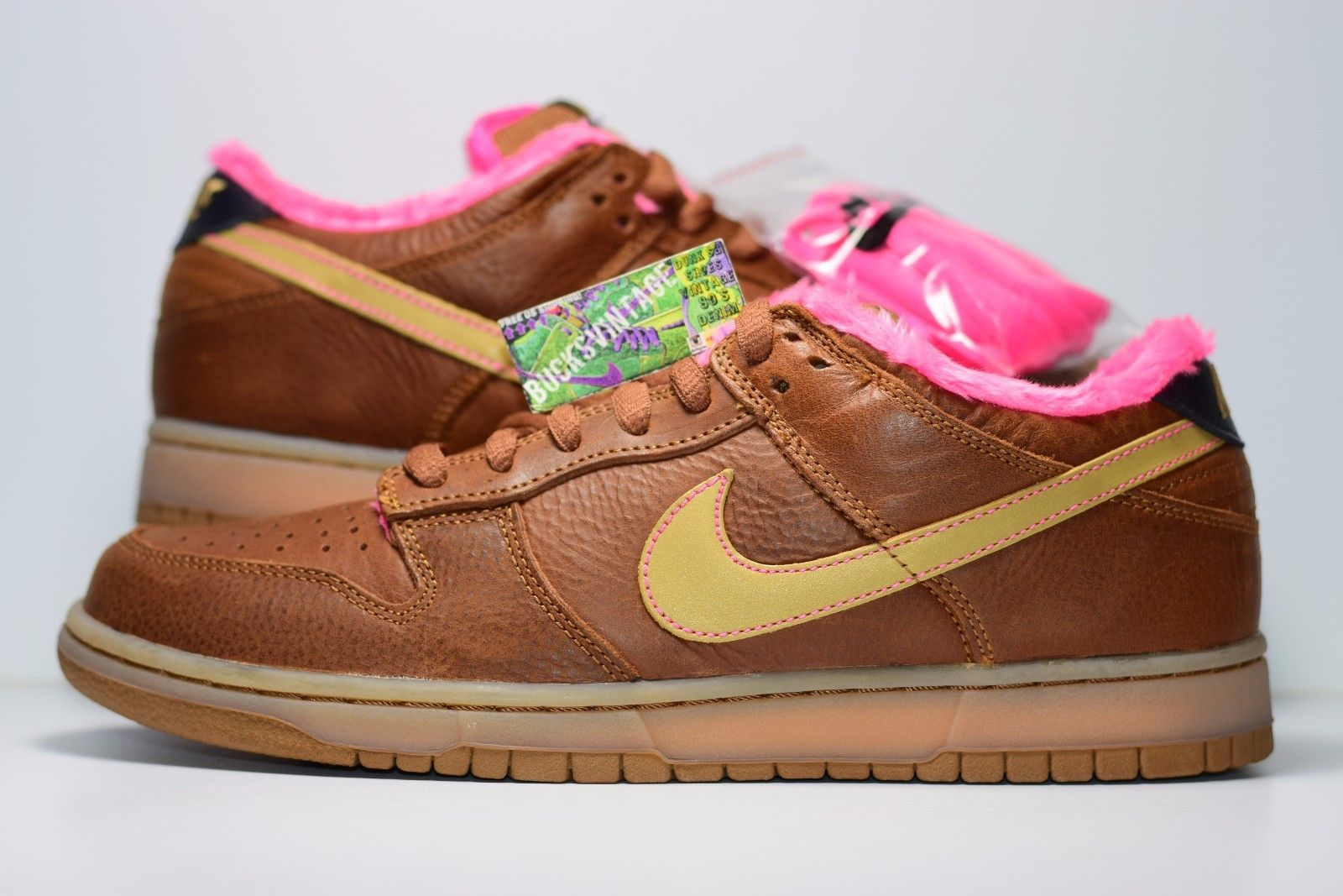 2007 Nike SB Dunk Low Gibson Guitar pink fur and brown Size 10
