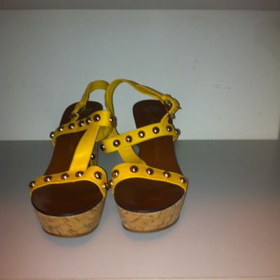Juicy couture mustard wedge sandal(size 8)