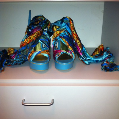 Bebe colorful scarf sandal(size 7)