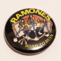 Ramones-_20road_20to_20ruin_medium