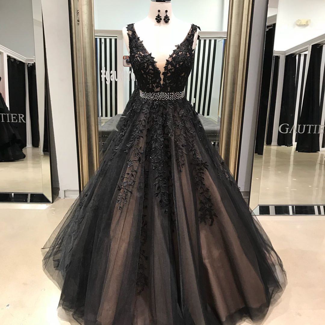 Princess Black Sleeveless Prom Dress Ball Gown Formal Gown With Lace ...