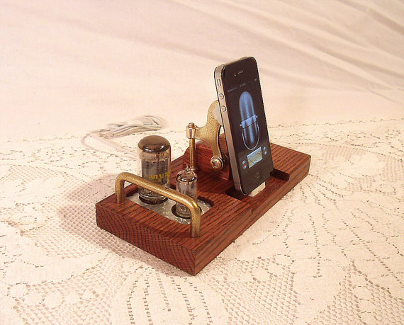 Iphone док станции своими руками