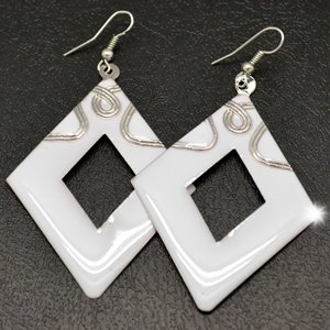 White_20triangle_20earrings_original