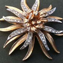 Coro Vintage Chrysanthemum Brooch American Beauty