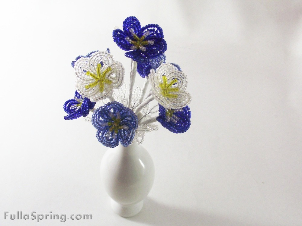 Beaded_flowers_clearblue_1_original