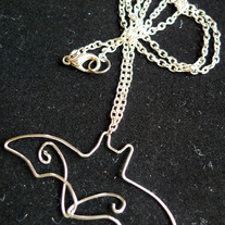 Necklace_20-_20flying_20bat_20silver_medium