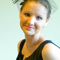 Peacock Bridal Fascinator with Green Organza Flower  - Thumbnail 4
