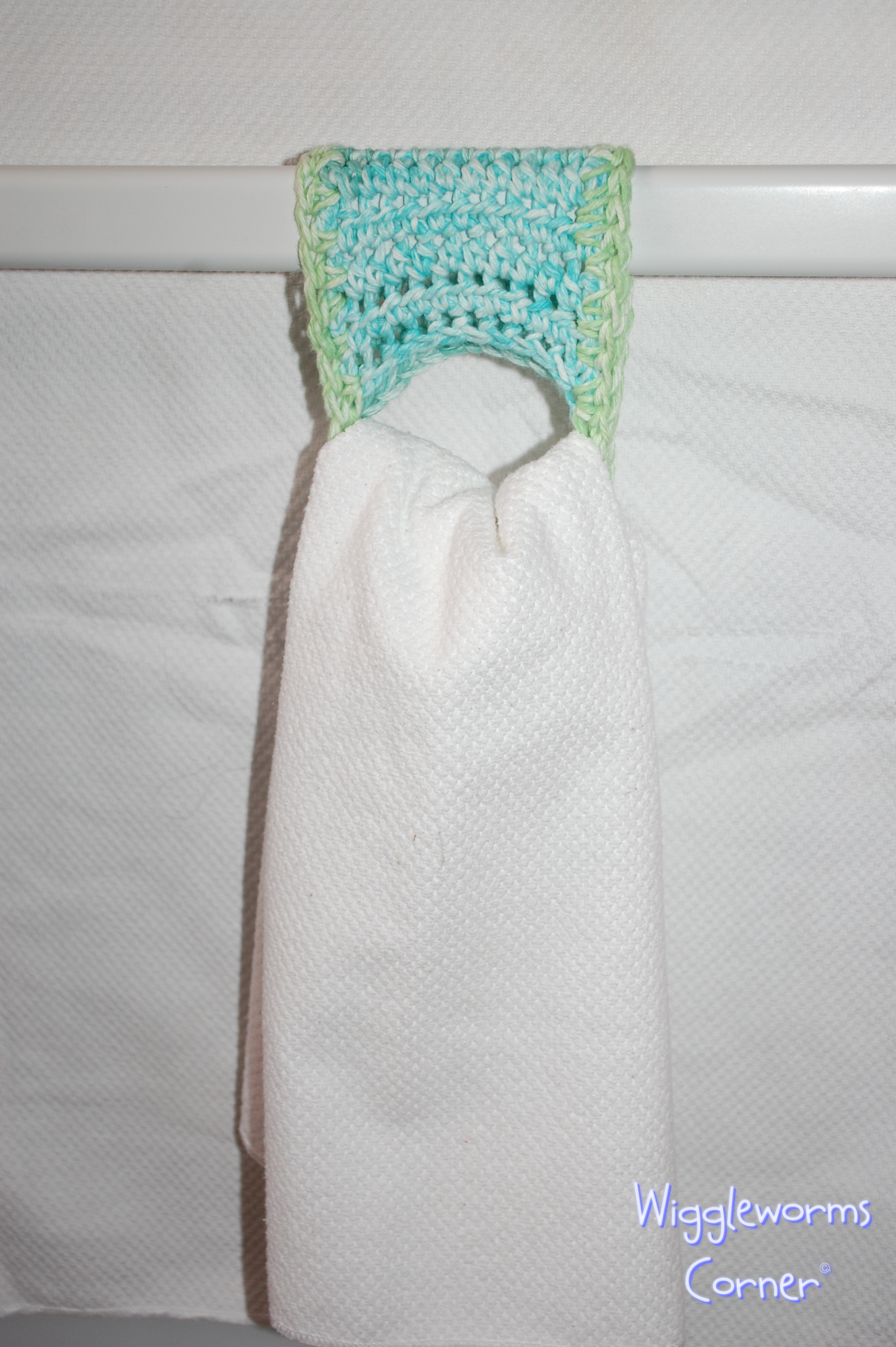 Wiggleworms Corner | Crocheted Towel holder - Set of two | Online ...