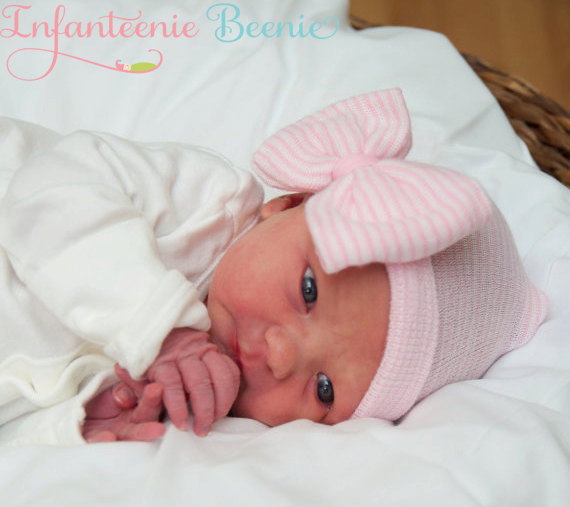 c2065aa0e NEWBORN HAT with BOW, newborn girl hospital hat, newborn girl hat, newborn  girl, hospital hat with bow, newborn girl take home outfit from Infanteenie  ...
