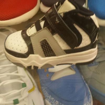 3c188829eb7 Sneaker Trap