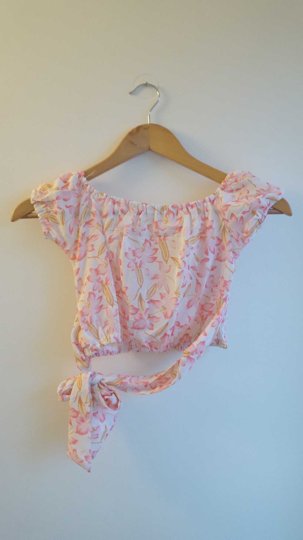 29b24de4a727 Catwalk White Pink Cropped Floral Flower Top with Tie Knot · Marla's ...