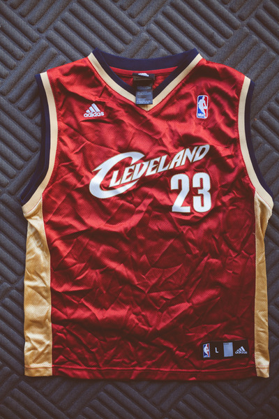 check out 10be6 adf4f Lebron James Kids Large Cavs Jersey from Kings Court Vintage