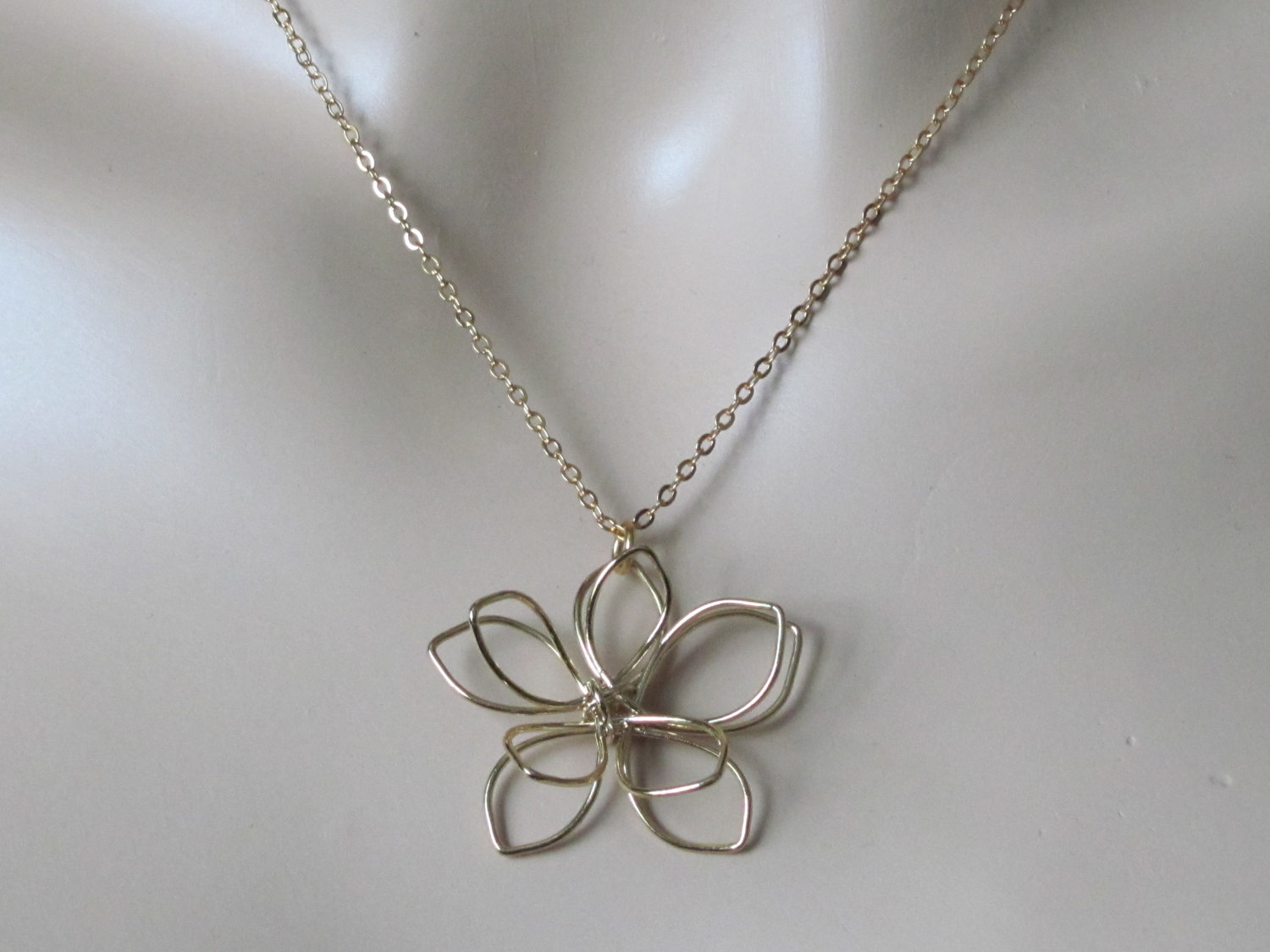 Flower Necklace Dainty Necklace Wire Necklace Wire Pendant Women