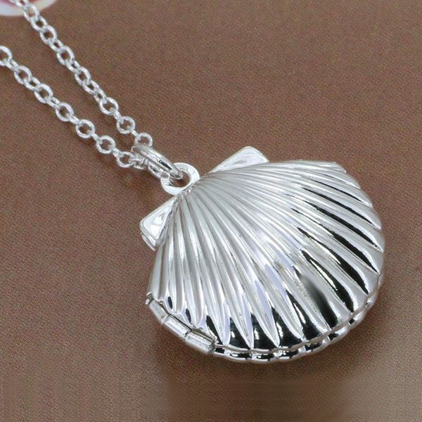 shell grande de necklace pendant santiago scallop solid camino gold products