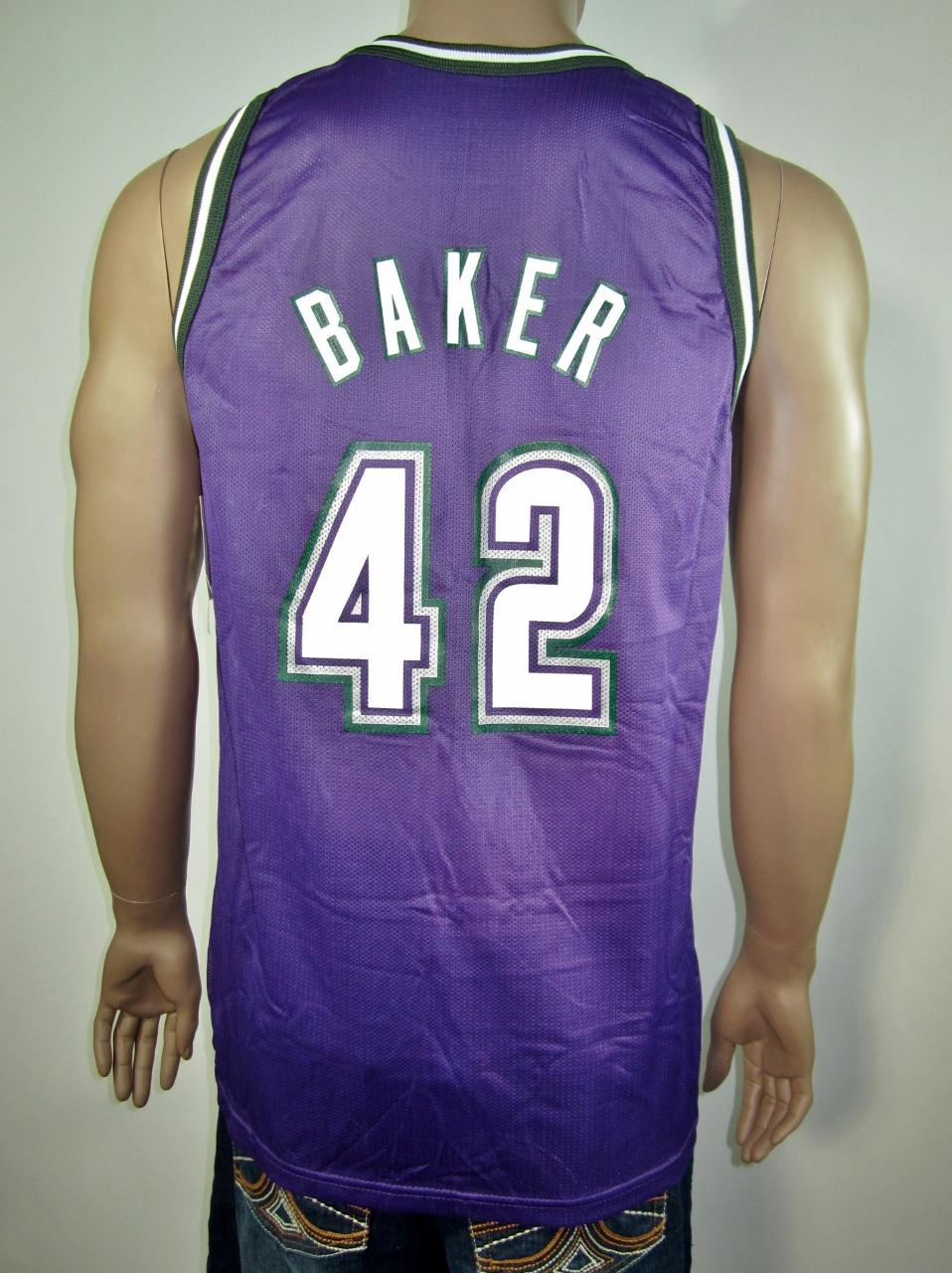 Vin Baker Milwaukee Bucks Champion Jersey 44 NWT · DFRNSH8 · Online ... 2b079881b