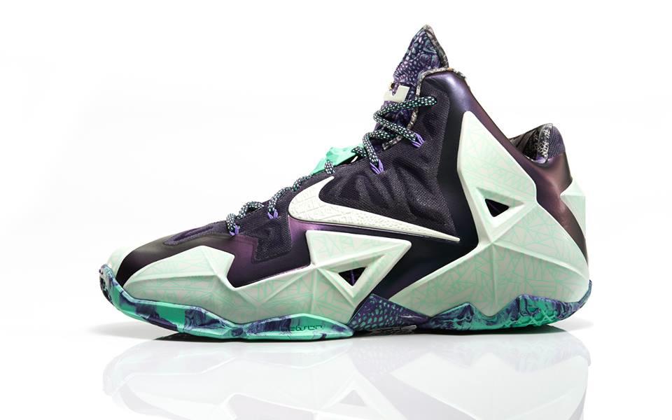af2054f31d4 Nike Lebron 11