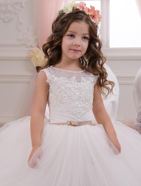b140961906a 2017 Pretty Princess White Girl Dresses Girls Puffy First Communion Dress  Lace Ball Gown Long Flower ...